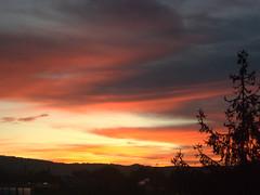 breakfast sunrise (detlevnitsche) Tags: clouds sunrise colours eislingen
