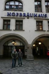 Outside the famous hofbrauhaus in Munchen!