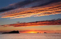 El encuentro (carmenvillar100) Tags: encuentro flickerosdeibiza ibizapuestadesol eivissa calacomte mediterraneansea sunset