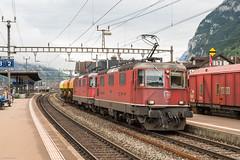 SBB Re 4/4 III 11350 & Re 4/4 II 11239 (Porrentruy) with 3 Ucs cars, Erstfeld, 11-8-2014 (mch68) Tags: cff electriclocomotive erstfeld europe ffs rail re44ii re44iii sbb schweiz schweizerischebundesbahnen switzerland zwitserland