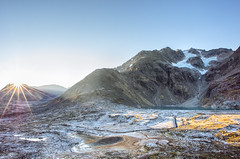 Kgen Island, Northern Norway (S_Peter) Tags: kgen kgtinden kagen kagtinden skjervy autumn fall light sun gegenlight star flare voiglaender voigtlnder vm ultron f56 12 mm cosina ultrawide heliar leica t