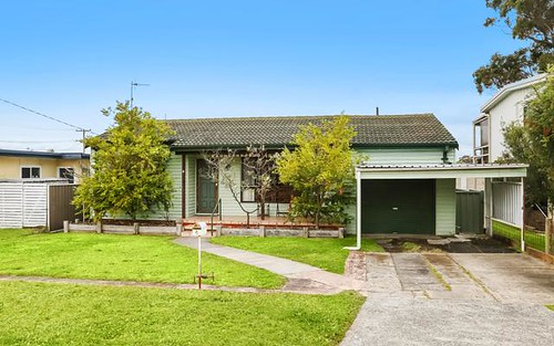 4 Flinders Avenue, Killarney Vale NSW 2261