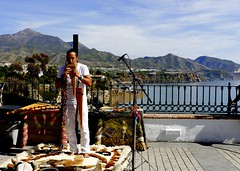Msico peruano (camus agp) Tags: nerja balcondeeuropa musica musicos paisaje maro espaa costa mar sierradealmijara acantiladosdemaro