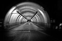 Tunel (Campanero Rumbero) Tags: roma rome italy italia monocromo bn travel turismo trip tunel night noche city ciudad street calle light lights luces carretera