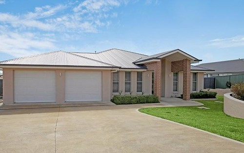 83 Freeman Circuit, Llanarth NSW 2795