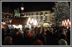 Weihnachtsmarkt in Dsseldorf (Horst Erkrath) Tags: erkrath horstbostelmann weihnachtsmarkt dsseldorf altstadt weihnachten glhwein maronen rathaus handwerk vorweihnachtszeit eierpunsch punsch riesenrad kunsthandwerk