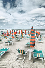 "2016-19-0811017p36-H2 ""The Boring Seaside"" (andrea.sosio) Tags: mostinteresting d300 nikon silvimarina abruzzo seaside beach beachumbrella empty clouds nik analogefex theboringseaside 20161920"
