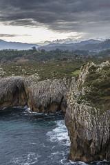Acantilados y Picos 2 (ferpar57) Tags: nikond7200 sigma1770 acantilados mar cantabrico picos europa asturias naturaleza paisaje