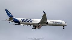 IMG_4453 copie (Simon Gratien -- WWW.SGRATIEN.COM New Web site) Tags: airbus a3501000 xwb a350 aircraft airplane wwwsgratiencom simongratien canon eos7d ef100400lis