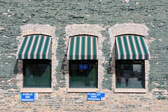 Runyon's (Rick & Bart) Tags: minneapolis minnesota mpls usa city urban downtown rickvink rickbart canon eos70d restaurant pub runyons