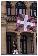 Ikurrin Bandera (Lanpernas 4.0) Tags: carnival fiesta desfile donosti sansebastian ikurriña euskalherria donostia sansebastián saintsebastien demilcolores ehbildu eh11kolore funwithflags diversiónconbanderas hamaikakoloretako