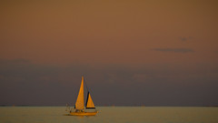 Yacht [Explore, July 1, 2014, #43] (Mariasme) Tags: sunset water yacht shapes minimalism gamewinner gamex2winner f64g62r1win