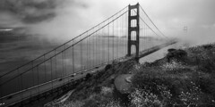 Foggy Gate (Aggie Photo) Tags: sanfrancisco california white black monochrome fog golden gate tilcock