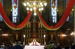 Le Pre Gilbert  l'glise St-Pierre Aptre de Montral (Pierre thier) Tags: montral amour paix spiritualit mditation d300s nikond3oos