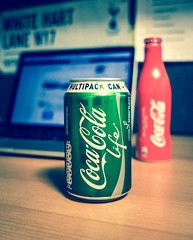 Red Coke Turns to Green (Sea Yu) Tags: life leica uk red white green london cola coke lane pro hart cocacola coca retina hotspur x2 macbook