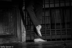 El arte del cuerpo.. (soff.vargas) Tags: blanco casa dance nikon y dancing danza negro dancer pies hermoso talavera 3200 balcn brincos contemporanea saltos contempo congelados bailarn