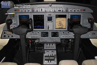 CJ4 cockpit_1200px