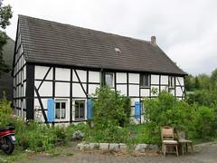 Dortmund (Mengede) - Fachwerkhaus (.patrick.) Tags: haus gebude dortmund nordrheinwestfalen fachwerk fachwerkhaus wohnhaus weis mengede