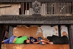 Kasthamandap, Kathmandu (Bertrand de Camaret) Tags: wood nepal sleeping man art statue horizontal architecture asia god ngc kathmandu asie dormir bois homme dieu nationalgeographic katmandou 2013 kasthamandap bertranddecamaret