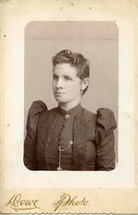 Elisabeth Masterton  was born in 18 August 1860 in Torryburn, Fife, Scotland to John Masterton sea captain and Janet West. She was a Presbyterian.