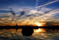 A contraluz (John LaMotte) Tags: cielo clouds cceres caceres contraluz malpartidadecceres barruecos nwn nubes sunset puestadesol sky