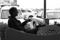 the smoker/solo, cortado y dos chupitos (pepe amestoy) Tags: streetphotography blackandwhite people elcampello spain fujifilm xe1 carl zeiss t planar 250 zm leica m mount