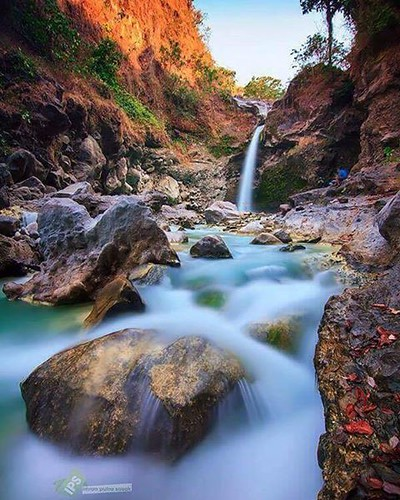 Umar Maya Waterfall  -> Recommended place to visit in Lombok.  This waterfall you can see in sembalun village, mount Rinjani trekking point.   #mujitrekkertrip #mujitrekker #umarmayawaterfall #maduwaterfall #waterfalltour #waterfall #Lombok #lombokisland