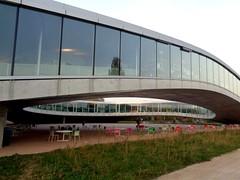 Rolex Learning Center. SANAA. Lausana (rodrigorama) Tags: sanaa sejima lerningcenter archirecture education