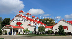 Smuckers in Orrville Ohio 5843 (intricate_imagery-Jack F Schultz) Tags: jackschultzphotography intricateimageryphotography amishcountry ohioamish southeasternohio smuckers orrvilleohio jamsandjellies