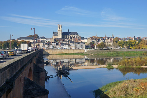 2016-10-24 10-30 Burgund 664 Nevers, Loire