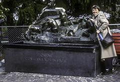 Marmota Fountain (woodchuckiam) Tags: marmota marmots fountain zermatt valais switzerland bronze statue tourist woodchuckiam
