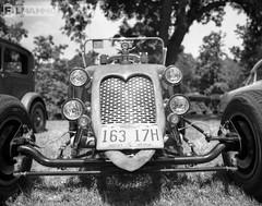 The Bugg (FilmAmmo) Tags: paulhargett filmammo salinaks pentax6x7 ilford panf mediumformat film 120 carshow