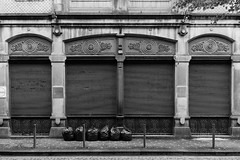 F4360 ~ Galerias de Paris (Teresa Teixeira) Tags: porto galeriasdeparis downtown teresateixeira blackandwhite bw acros fujifilm