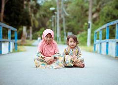 Kampung Pulau Besar (sengkenitz) Tags: lilydamia abenoor sengkenitz daliahana irisdafina bibiiklima