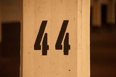 44 (Nihil Baxter007) Tags: number 44 beton sule zahl cocrete ziffer