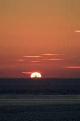 Coucher de Soleil sur l'Atlantique (Mare Crisium) Tags: ocean sunset sun soleil coucher