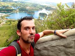 "Pendant l'ascension des 700 marches de la piedra del penol • <a style=""font-size:0.8em;"" href=""http://www.flickr.com/photos/113766675@N07/14903942888/"" target=""_blank"">View on Flickr</a>"