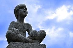 Hopefulness (marinadelcastell) Tags: statue hope esperança estatua statua esperanza hopeful speranza hoffnung espoir standbild hoffnungsvoll estàtua esperanzado speranzoso pleindespoir esperançat