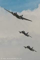 Revival Jets (Mike Groom Photography) Tags: speed airplane jets airshow engines sound hunter roar avon goodwood meteor hawker revival