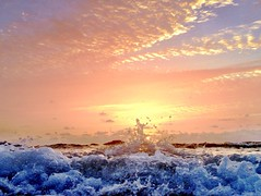 The sunshine's grand entrance. (Andy Royston / Ft Lauderdale Sun) Tags: photostream