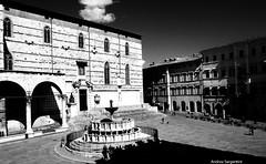 Vista panoramica fontana e Duomo (andrea.s124) Tags: italy club nikon italia it piazza perugia umbria