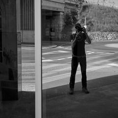the last click... (La Chaux-de-Fonds . 2014) (Toni_V) Tags: bw reflection me monochrome suisse 28mm selfie 2014 sep2 lachauxdefonds elmaritm niksoftware ©toniv leicam9 140914 l1018765 frinvillierchasseralvuedesalpeslachauxdefonds