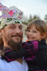 Hugging her dad tight (radargeek) Tags: paseodistrict magiclanternfestival 2016 smile kid child oklahomacity okc hugs hugging
