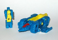 nightbeat transformers generations titans return titan master hasbro 2016 a (tjparkside) Tags: nightbeat transformers generations titans return titan master hasbro 2016 mosc autobot autobots transformer headmaster headmasters g1 g 1 one generation drill tank aircraft gun cannon blaster weapon weapons mode modes