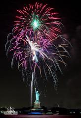 3I6A0253 (bkrieger02) Tags: fireworks statueofliberty hudsonriver nyc newyorkcity manhattan fireworksphotography nightphotography longexposure libertyisland canon canonusa teamcanon 7dmkii brooklyn louisvalentinopark redhook