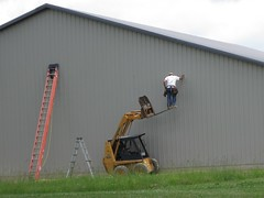 Amish man lift (prodefenserm) Tags: loader skid case accident fail violation hazard safety osha lift man amish