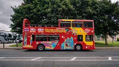 Hop On - Hop Off (Poul_Werner) Tags: derrylondonderry gislevrejser nordirland northernireland busferie ferie travelbycoachorbus londonderry unitedkingdom gb