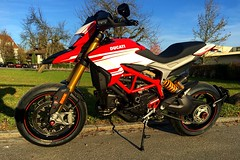 Nice lady with new shoes 🙌😍😎 (Lusty-Daisy) Tags: hypermotard939sp diablorossoiii motorcycle 939sp ducati hypermotard