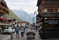 Shopping in Madonna di Campiglio (Vee living life to the full) Tags: madonnadicampilio skiresort mountains shopping tourists nikond300 italy trentino hotels park trees flowers cafes pavement outside forests aboriculture