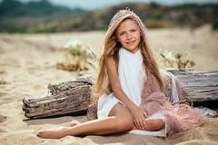 _MG_7177 (Chavdar Dimitrov) Tags: red summer kids beach girl childhood